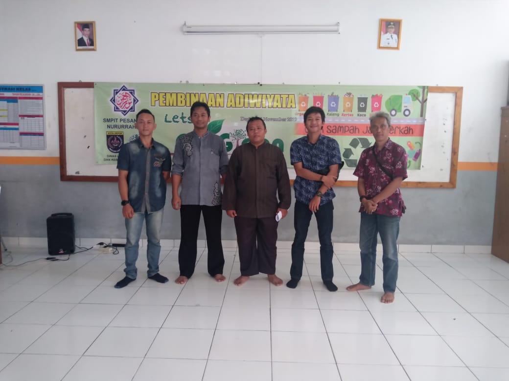 Pembinaan Adiwiyata di SMPIT Nururrahman: Green to School